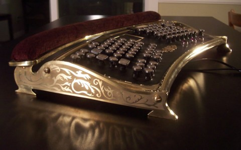 teclado steampunk