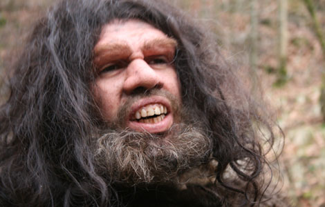 Drama recon - Neanderthals had big faces and big teeth.